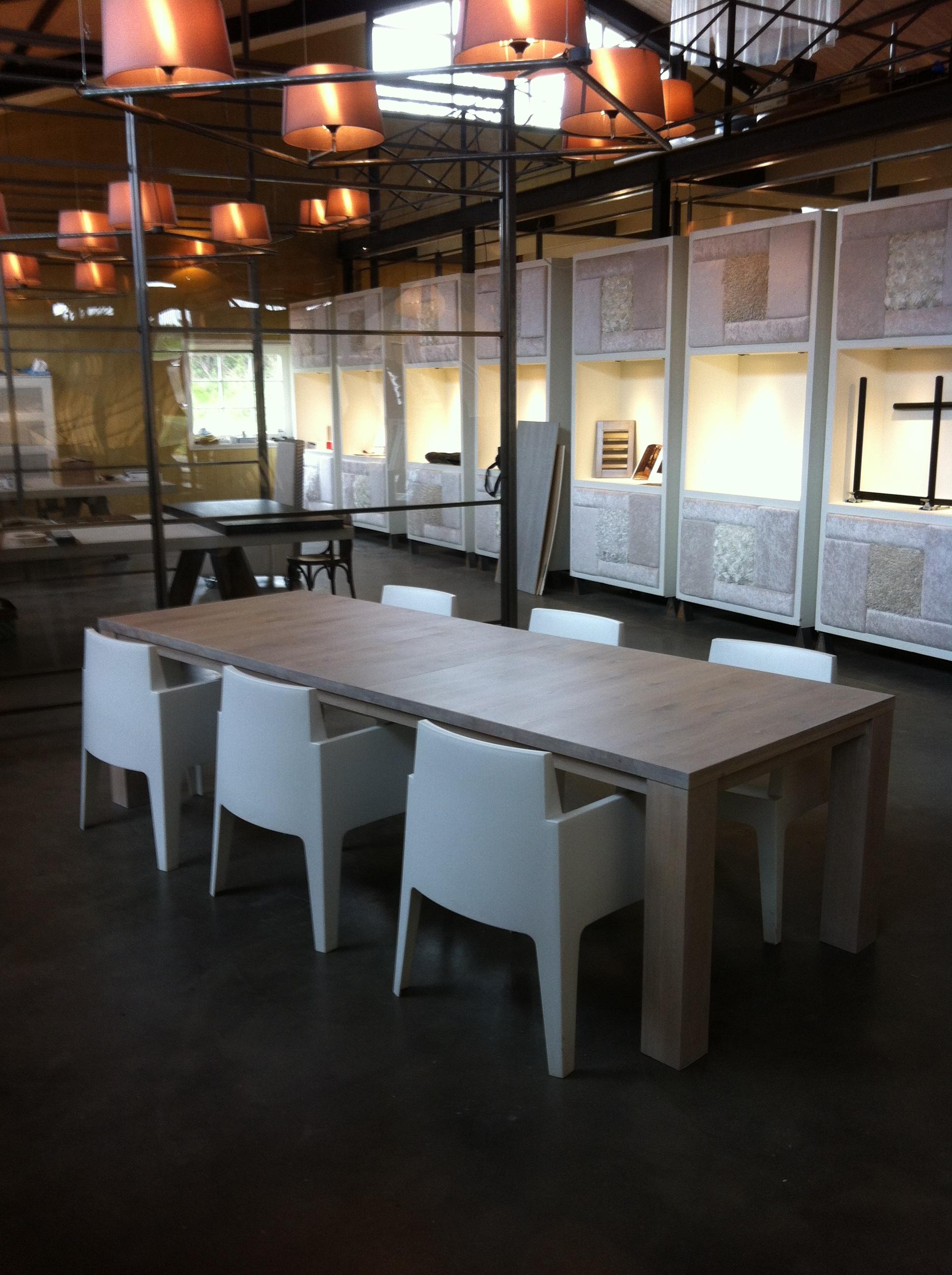 foto model STRETCH uitschuifbare eiken tafel 3